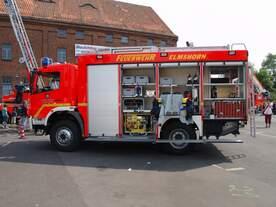 TLF 16/24 TR der FF Elmshorn Wache Süd am Blaulichttag in Elmshorn