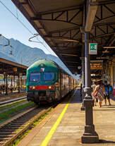 Nach dem unser eigentlicher RE nach Milano Porta Garibaldi (wir wollten mit bis Arona) wegen einem Defekt nicht fuhr, wurde ca.