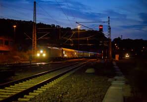 Eigentlich war es mir bekannt dass diese Züge die Siegstrecke befahren, so hätte ich einen auch ein paar Wochen, bei weitaus hellerem Licht, einen vor die Linse zubekommen....