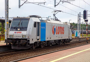 Die an die Lotos Kolej vermietete E 483 257 (91 51 5 170 015-9 PL-Rpool) der Railpool fährt am 27.06.2017 solo durch den Bahnhof Rzepin / Polen (deutsch Reppen).